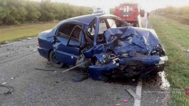 В страшной аварии под Суровикино погибли три человека