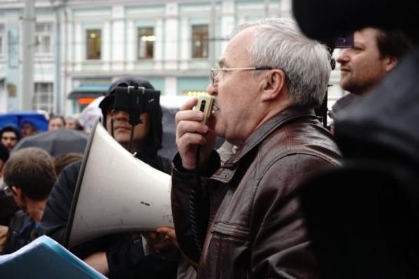 Депутат Александр Воробьёв организовал митинг против ввоза московского мусора
