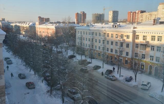 Чистят ливневку и убирают наледь: улицы Перми готовят к паводку
