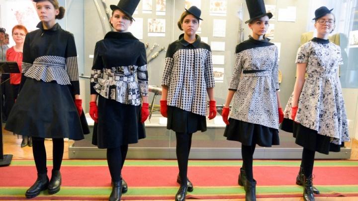 Волгоградцам показали царицынскую моду в период революции