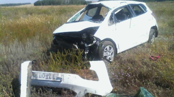 Иномарка из Оренбурга опрокинулась на южноуральской трассе