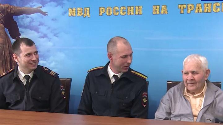 Владимир Колокольцев наградил волгоградских полицейских за спасение ветерана
