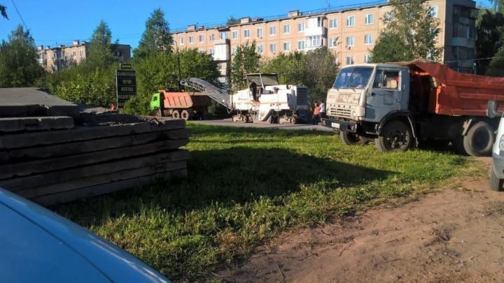 В Нытве подрядчика заставили заново укладывать асфальт на только что отремонтированной дороге