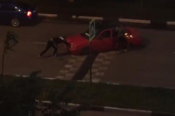 Авто не смогло преодолеть барьер