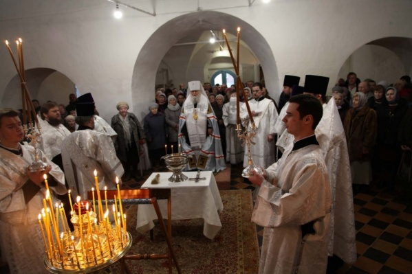 Митрополит Ярославский и Ростовский Пантелеимон совершил малое освящение