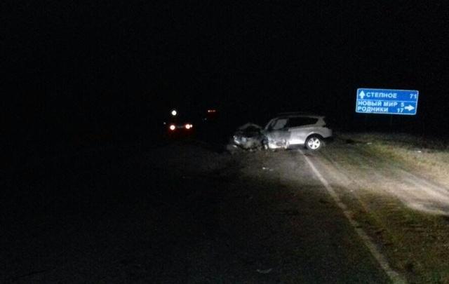 В ночном ДТП на южноуральской трассе один человек погиб и ещё один пострадал