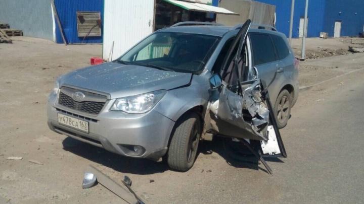 Остались «рожки да ножки»: на Заводском шоссе «газелист» снес дверь у легковушки