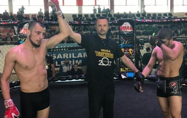 Волгоградец завоевал титул чемпиона мира по миксфайту