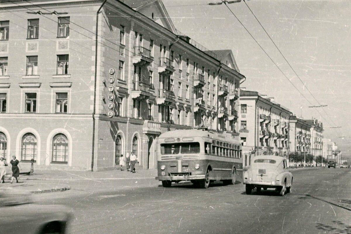 Уже в 50-е годы троллейбусы ходили по проспекту Масленникова