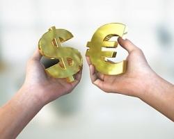 Как выгодно и безопасно покупать валюту, не выходя из дома