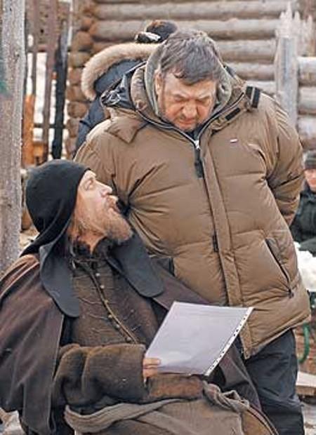 Олег Янковский и Павел Лунгин на съемочной площадке
