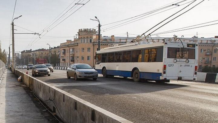 Живущих возле Комсомольского моста волгоградцев мучает вибрация от автобусов