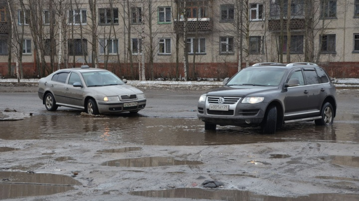 В Ломоносовском округе Архангельска перекрыто автомобильное движение