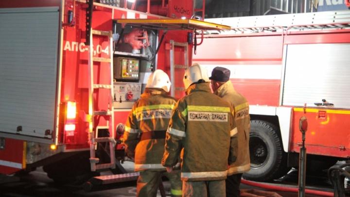 В Обливском районе из-за неисправной печи загорелся флигель: погибла женщина