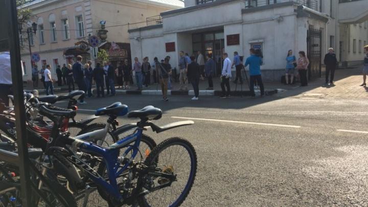 Люди в кэжуал: ради мэра половина чиновников пересели на велосипеды