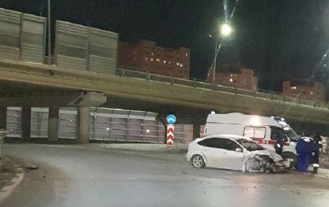 В полночь на пермяковском кольце водитель Ford Focus не вписался в поворот