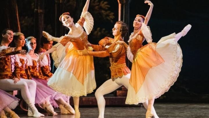 «Крылья Советов» покажут фристайл-шоу в оперном театре в Самаре