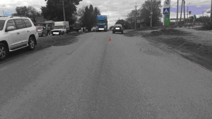 В Самаре водитель на Toyota Land Cruiser сбила женщину и отвезла ее в больницу