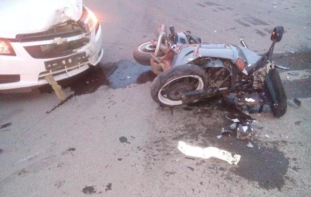 Мотоциклист в Лысьве врезался в  Chevrolet Cruze