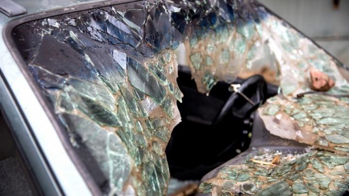 Рыбинцу не понравилось, как припаркована чужая машина, и он разбил ее