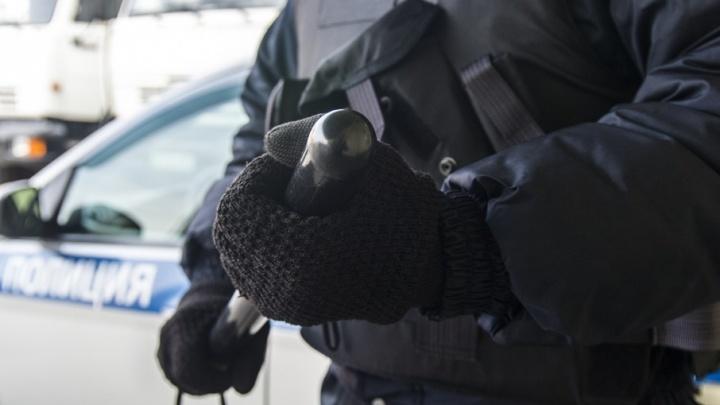 Двое ростовских участковых избили и ограбили посетителя кафе