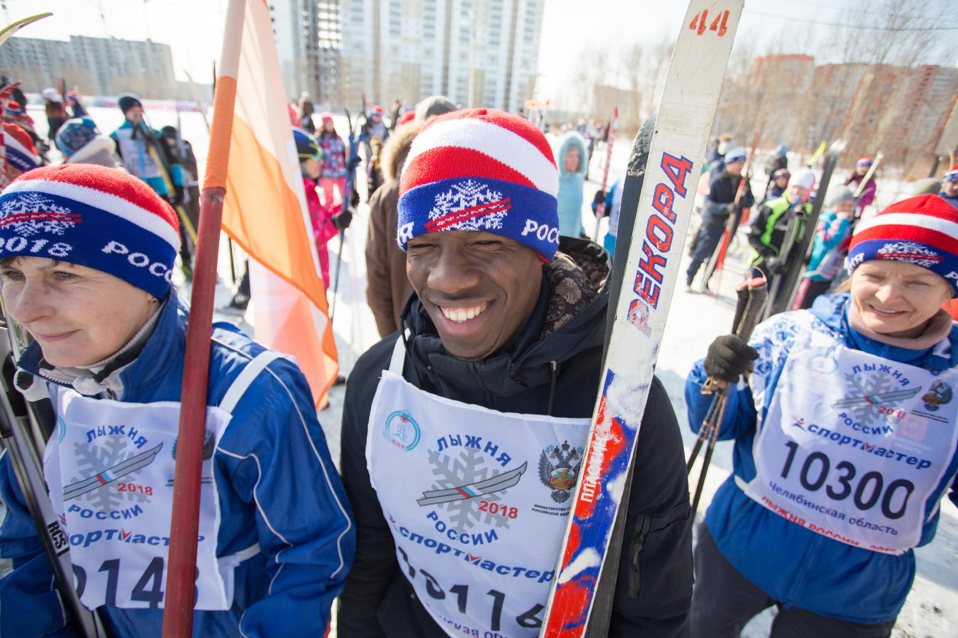 Некоторые иностранцы только начинают учиться бегу на лыжах