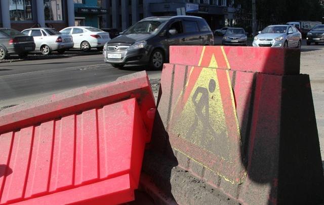 В центре Архангельска из-за ремонтов на два дня закрыли участок дороги