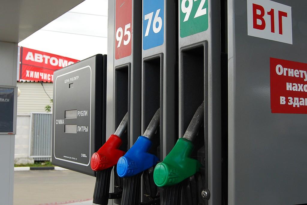 В России не так-то просто уличить АЗС в продаже некачественного топлива, но процедура существенно упростится в ближайшее время