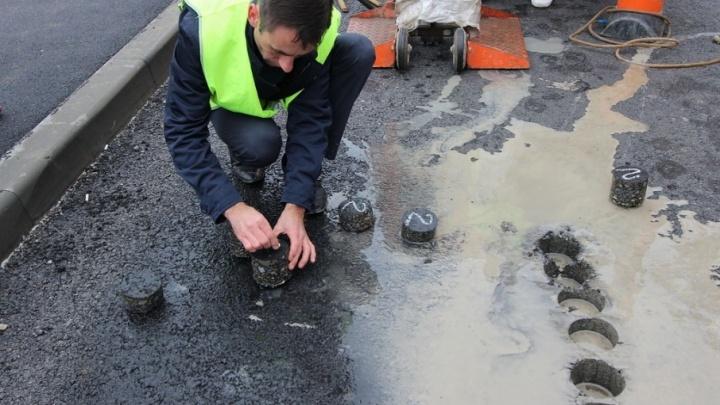 Подрядчика, уложившего асфальт на одной из ростовских улиц, заставят переделывать работу