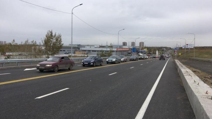 Дождались: новый мост через Туру в створе улицы Мельникайте открыли для транспорта