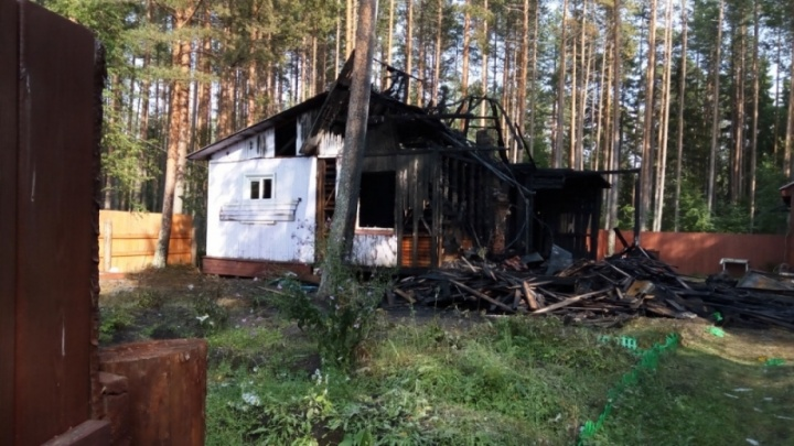 Дачный домик под Онегой полностью сгорел во время грозы