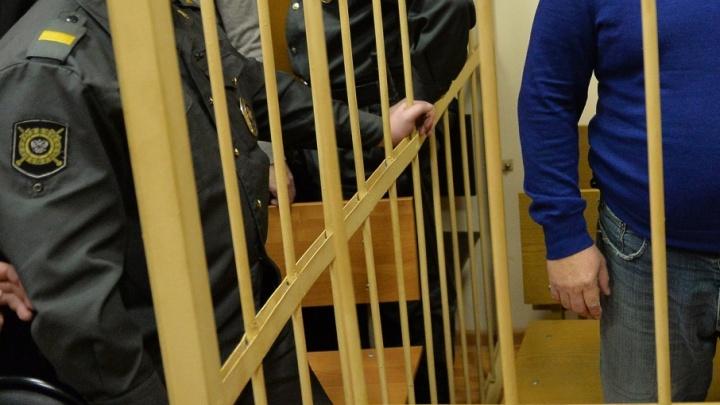 17-летний подросток сядет в тюрьму за кражу брюк и футболок