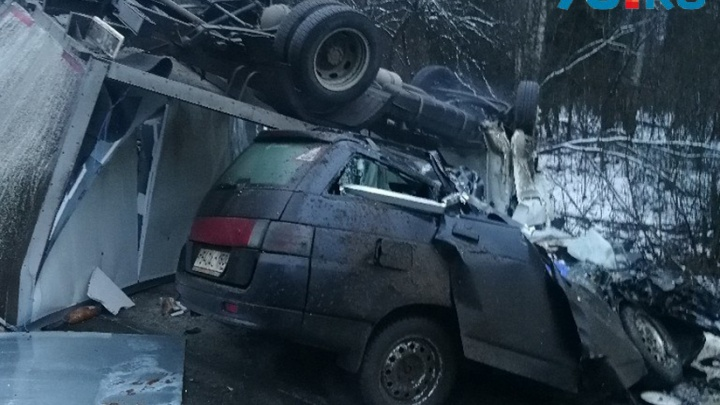 Все машины — всмятку: подробности смертельного ДТП в Тутаевском районе