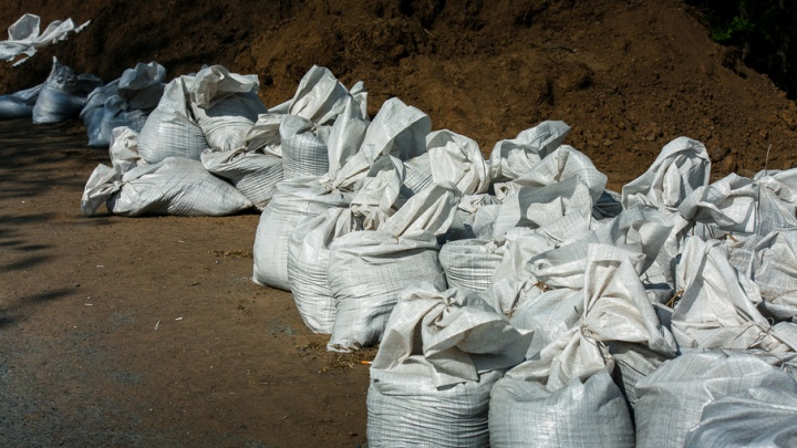 За возведённую с рядом нарушений противопаводковую дамбу в Ишиме владелец заплатит 20 тысяч рублей