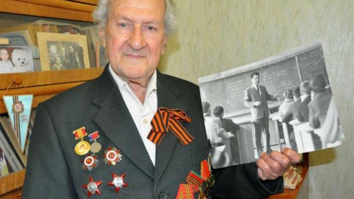 70 лет посвятил школьникам и студентам: в Ростове выбрали победителя проекта «Проспект звезд»