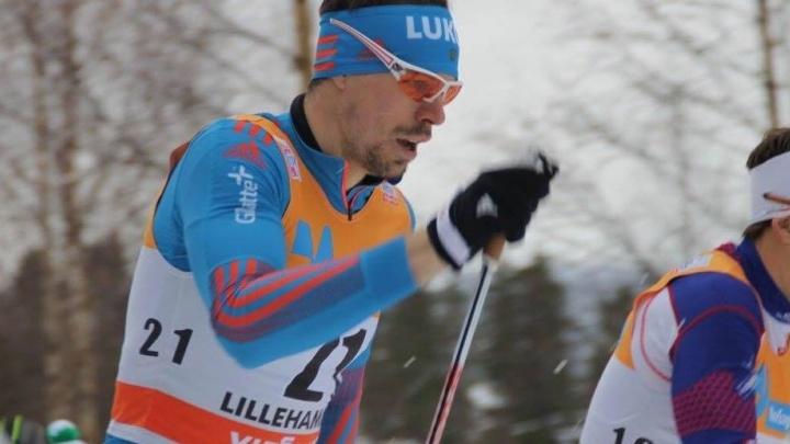 Уральский лыжник потерял секунды в масс-старте на Tour de Ski из-за массовых падений спортсменов