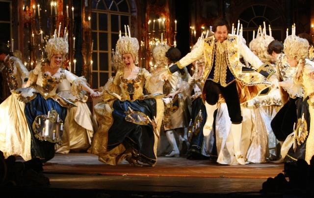 Самарские оперные певцы проведут флешмоб к Международному дню театра