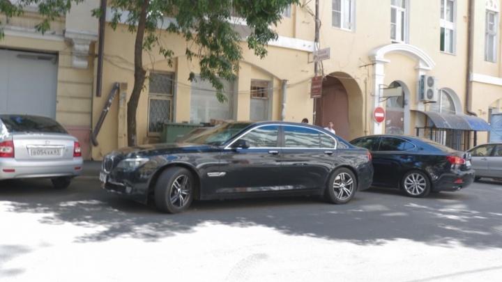 Приказ о запрете ростовским полицейским приезжать на работу на элитном авто оказался фейком