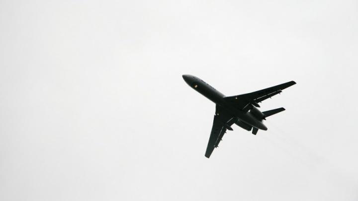 Рейс в Тюмень задержали на несколько часов из-за поломки частного самолета на взлетной полосе Казани