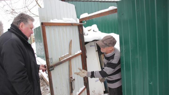 Ветерану из землянки начали оформлять землю для строительства нового дома
