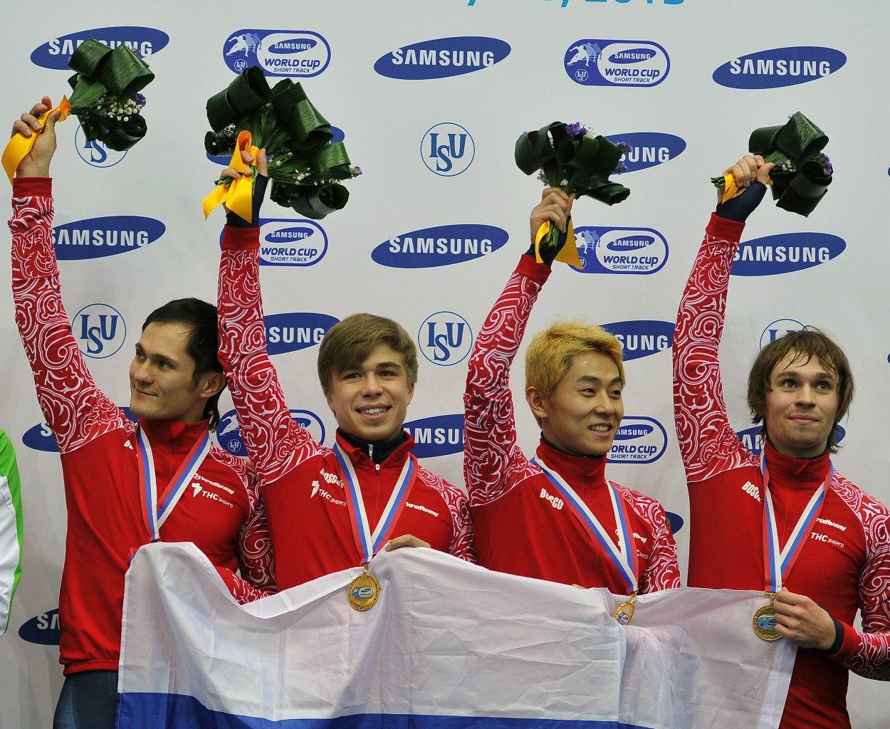 Семен посвятил медаль спортсменам, которых дисквалифицировали из-за допинг-проб, в том числе именитым чемпионам Сочи-2014