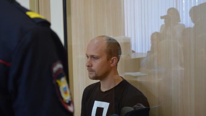 Бизнесмену, обвиненному в крушении металлической конструкций у ДК Солдатова, грозит до шести лет колонии