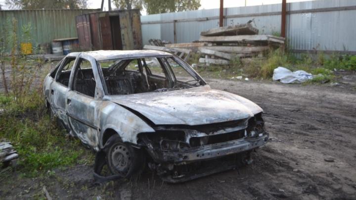 Из-за сварки рядом с топливным баком в Приморском районе сгорел «Опель»