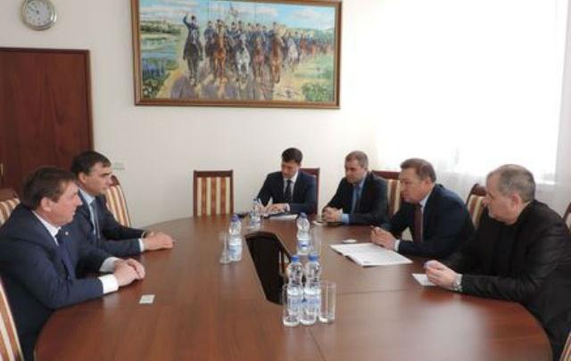 Чиновники областного минсельхоза поедут озеленять Крым