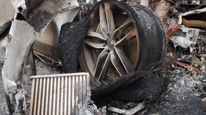 На юге Волгограда пироманы спалили  Audi