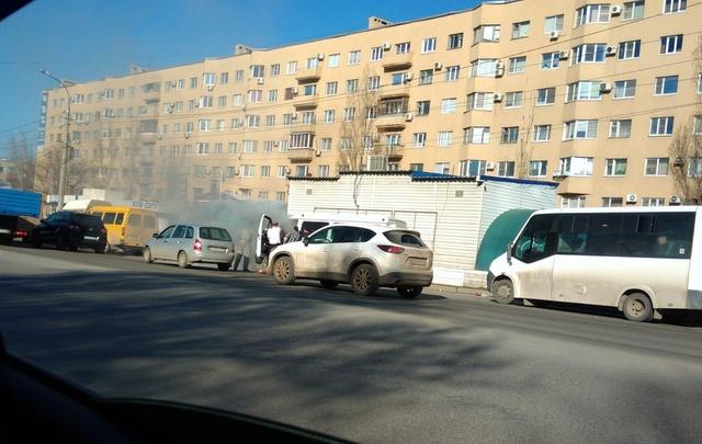 В Советском районе Волгограда дотла сгорела маршрутка