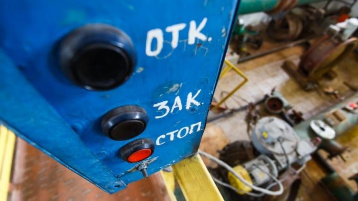 В Волгограде подземная течь забрала воду у жителей четырех улиц