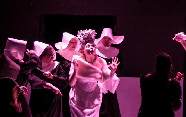 «Пьяные» в Молодежном театре откровенно рассказали о гибели чувства