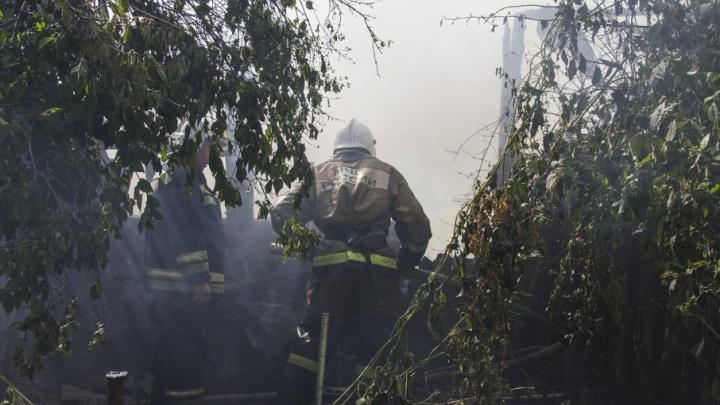 «Они погибли, спасая младшую дочь и сестру из огня»: стали известны подробности страшного пожара на Дону