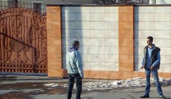 Бойцы Росгвардии обезвредили мужчину, который в Ростове на Стачки бросался с ножом на прохожих